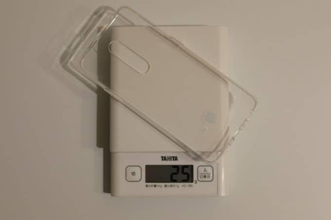OnePlus 7 Pro 付属のクリアケースの重さ