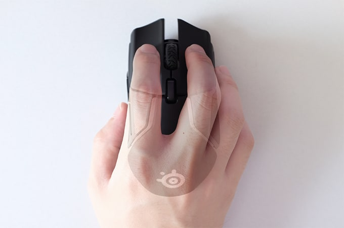 SteelSeries Rival600 つまみ持ち
