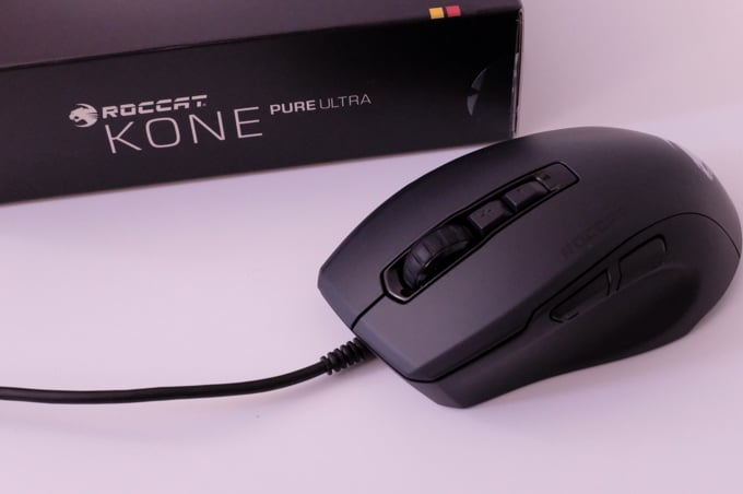 Kone Pure Ultra レビュー:つまみ持ち派は必見。神マウスが軽くなって帰ってきたぞ!