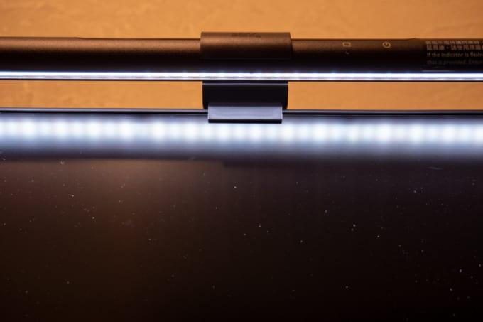 benq screen bar 映り込み