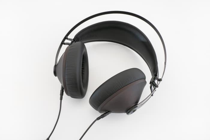 Meze 99 Noir レビュー:見た目は上品なのに低音ゴリゴリ。聴くのが楽しくなるリスニング系ヘッドホン