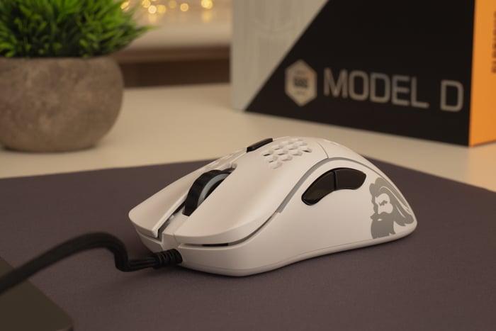Model D レビュー:軽量・低価格なかぶせ持ちマウス。ZOWIE ECが重たいと感じる人におすすめ
