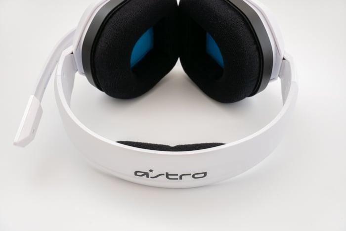 Astro A10 レビュー