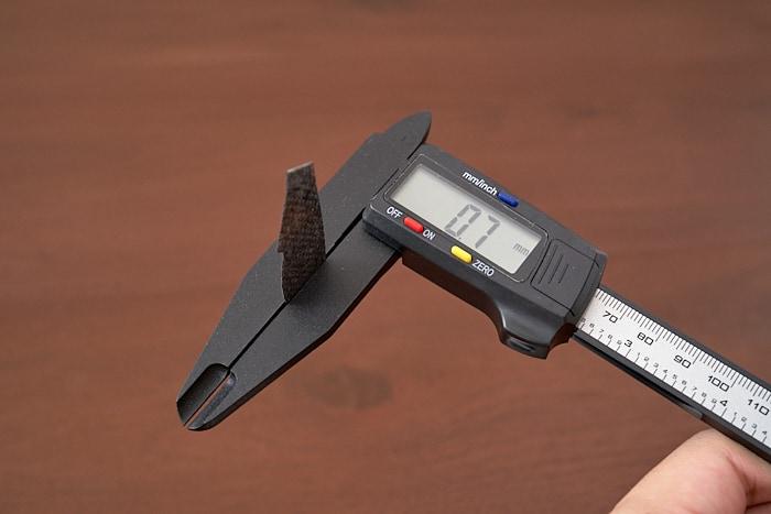 HK Gaming MIRA-S の付属グリップテープの厚みは0.7mm