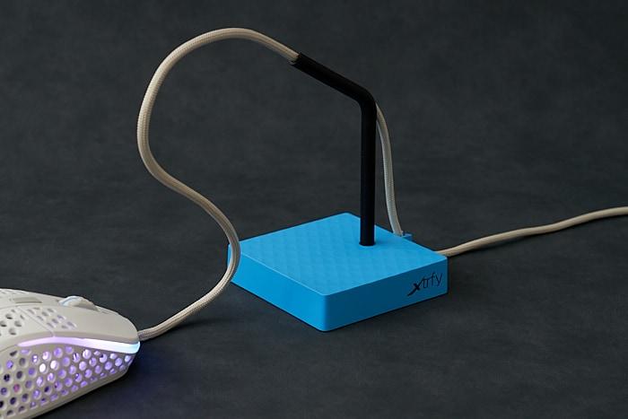 Xtrfy B4 レビュー:ずっしり安定なマウスバンジー。ただしケーブルの負傷に注意!?