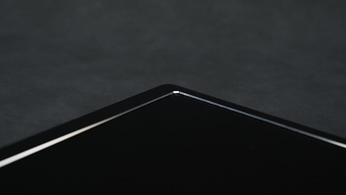 lepow z1 画面のエッジ部分がメッキ