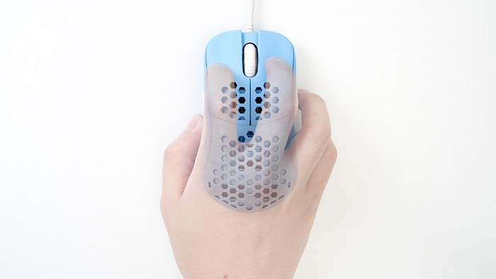 hk gaming naos m つかみ持ち claw grip